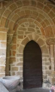 Portail d'entrée de l'église d'Espagnet