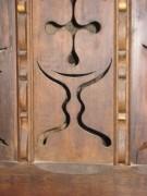 Sur la porte du confessionnal